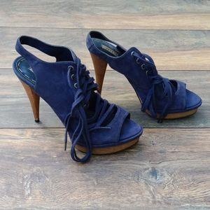 Zara heels/ running small